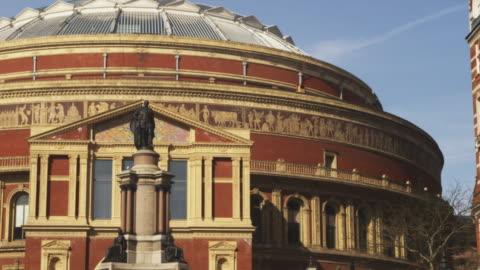 stockvideo's en b-roll-footage met ms pan royal albert hall, london, united kingdom - royal albert hall