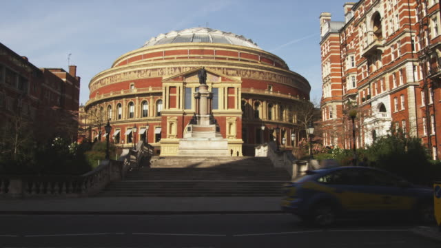 ws royal albert hall, street in foreground, london, united kingdom - royal albert hall stock videos & royalty-free footage