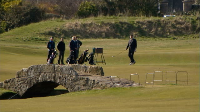 stockvideo's en b-roll-footage met royal and ancient golf club to vote on allowing women members; fife: st andrews: ext reporter asking male member about proposed changes vox pop sot -... - atlete