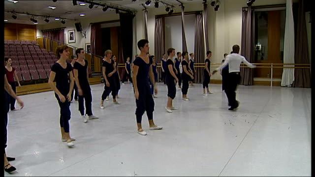 royal ballet school teaches commercial dance to pop music soundtrack royal ballet students practising commercial dance moves with adams to pop music... - soundtrack stock videos & royalty-free footage