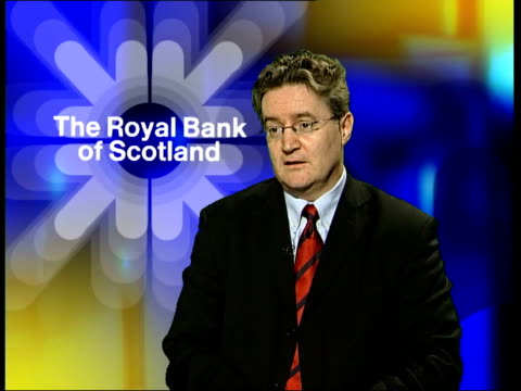 vídeos de stock e filmes b-roll de royal bank of scotland ext name over brance 'the royal bank of scotland' la ms wall sign as above int mick mcateer interview sot our concern is that... - street name sign