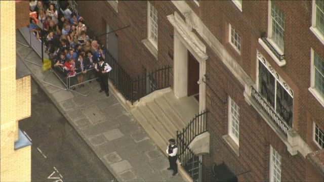 day's events up to hospital departure air view lindo wing entrance - 退院点の映像素材/bロール