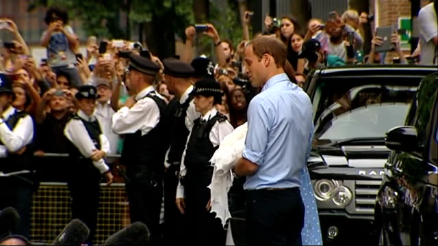 duke and duchess of cambridge leave hospital: side view; england: london: st mary's hospital: lindo wing: ext side view prince william, duke of... - royal blue stock videos & royalty-free footage