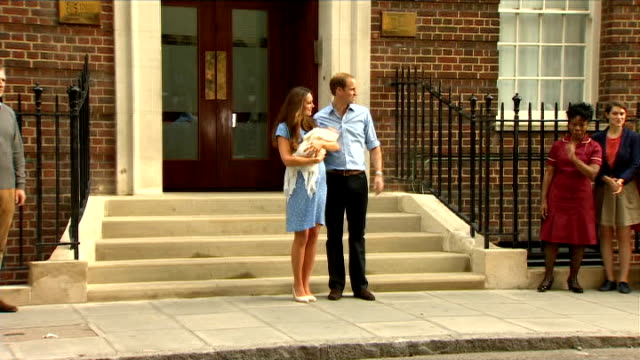 economic impact; england: london: st mary's hospital: lindo wing: ext catherine, duchess of cambridge and prince william, duke of cambridge posing... - royal blue stock videos & royalty-free footage
