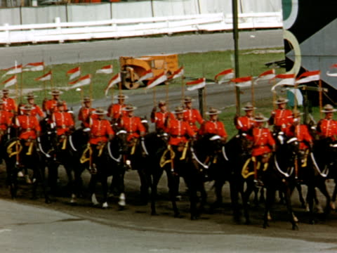 royal canadian mounted police show at canadian national exhibition, winter haven, florida, usa - 1956 stock-videos und b-roll-filmmaterial