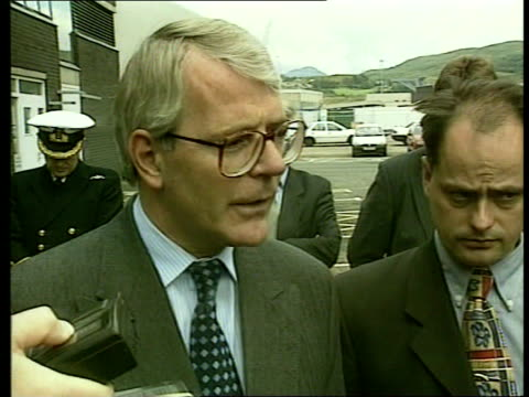 royal divorce made absolute; ext scotland: strathclyde faslane cms john major mp speaks to press sot - very sad for them england: london: jay mews... - 離婚点の映像素材/bロール