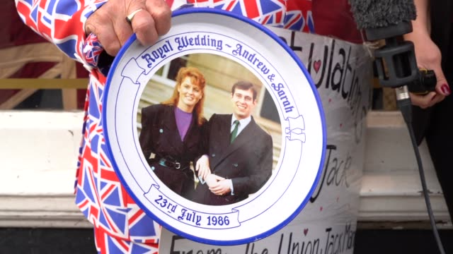 a royal enthusiast holds a commemorative plate from princess andrew and sarah ferguson's wedding at windsor castle on october 12 2018 in windsor... - duchess of york stock videos & royalty-free footage