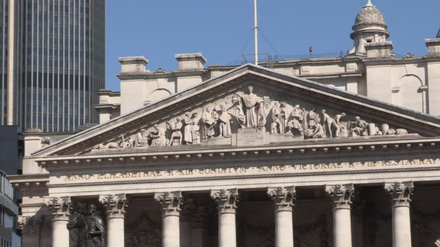 royal exchange and bank of england - male likeness stock videos & royalty-free footage