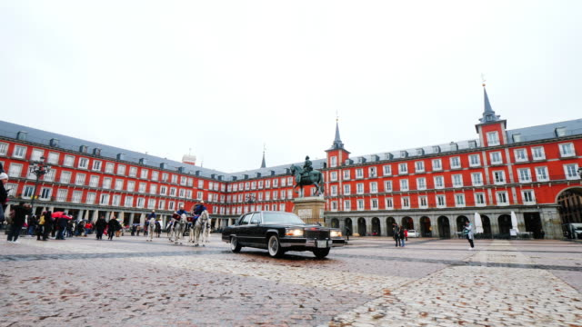 royal guards at plaza mayor, madrid - mayor stock videos & royalty-free footage