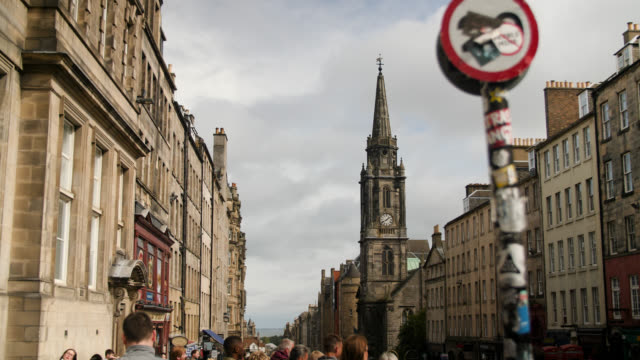 royal mile in edinburgh including tron kirk - old town stock videos & royalty-free footage
