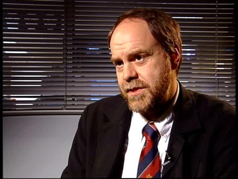 vídeos y material grabado en eventos de stock de itn england london professor andrew lambert interview sot talks of britain and iran not wanting a confrontation - royal navy college