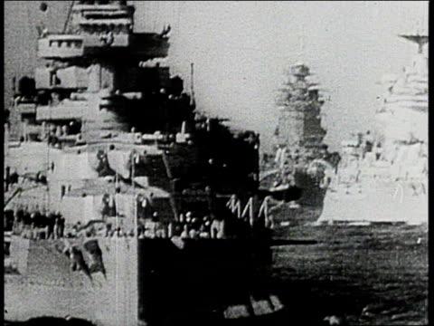 vídeos y material grabado en eventos de stock de royal navy warships steaming - pasear en coche sin destino