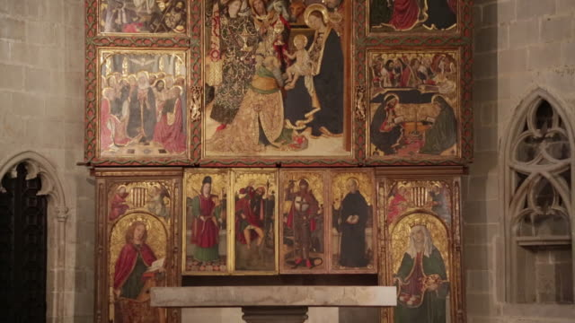 royal palece (palau reial major), chapel of santa agata, with the altarpiece of the epiphany by jaume huguet, barcelona, spain - female likeness stock videos & royalty-free footage