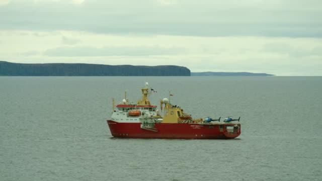 royal research ship on amundsen gulf - ernest shackleton stock videos & royalty-free footage