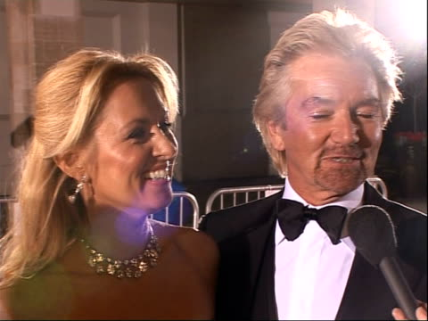 stockvideo's en b-roll-footage met red carpet arrivals edmonds interviewed sot noel's hq / filming noel's xmas presents at the moment / looking foward to having a family xmas / xmas... - noel edmonds