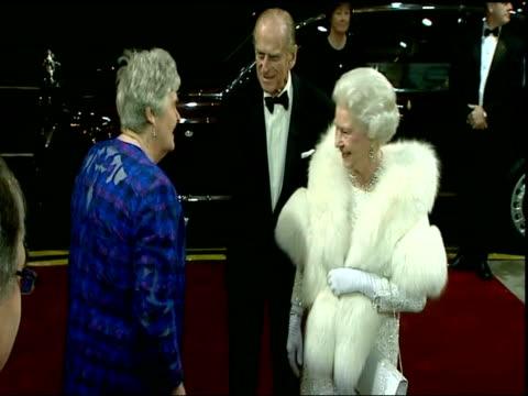 vídeos de stock, filmes e b-roll de queen and prince philip arrival england merseyside liverpool empire theatre photography *** prince philip the duke of edinburgh and queen elizabeth... - variety