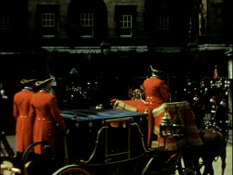 vídeos de stock, filmes e b-roll de colour footage of princess margaret's wedding to antony armstrong jones household cavalry entering buckingham palace royal cars arriving at palace... - 1960