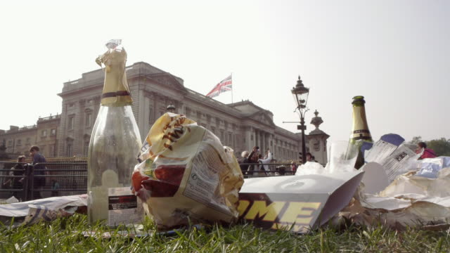 CU Royal wedding day rubbish garbage left at end of celebration in front of Buckingham Palace / London, United Kingdom