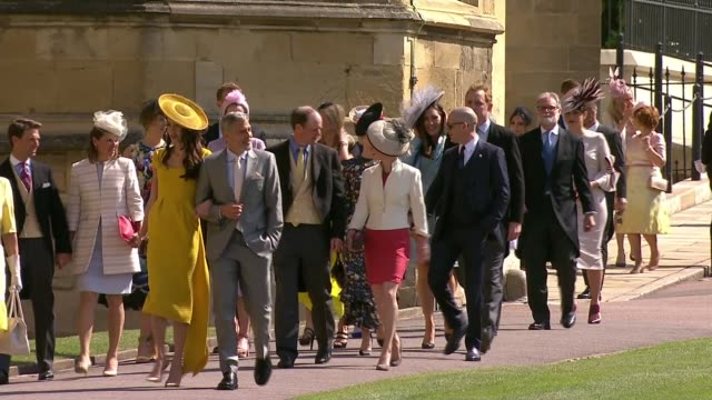 vídeos y material grabado en eventos de stock de royal wedding of prince harry and meghan markle itv news special 1025 1125 england berkshire windsor windsor castle st george's chapel int various... - huésped