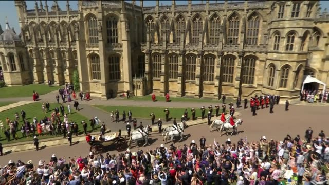 royal wedding of prince harry and meghan markle: windsor early morning clear-up after the wedding; lib england: berkshire: windsor: windsor castle:... - chapel stock videos & royalty-free footage
