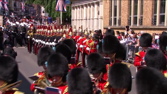 Royal wedding of Prince Harry Meghan Markle ITV News Special Ceremonial Feed 1310 1410 ENGLAND Berkshire Windsor EXT Drum major in state dress...