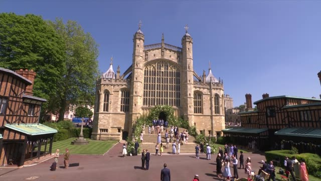 Royal wedding of Prince Harry Meghan Markle ITV News Special Ceremonial Feed 1410 1430 ENGLAND Berkshire Windsor EXT Crowds milling around outside...