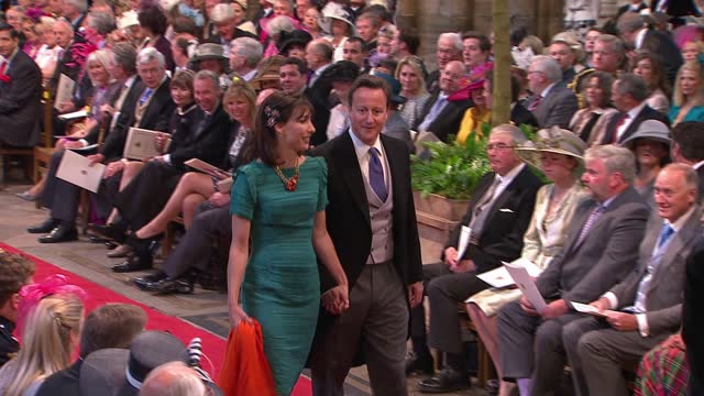 stockvideo's en b-roll-footage met royal wedding of prince william and kate middleton: itv news special ceremonial feed: hd version 1000 - 1100; england: london: westminster:... - westminster abbey