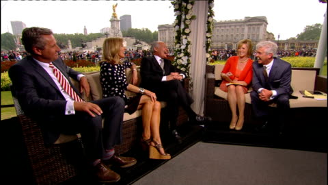 royal wedding of prince william and kate middleton: itv news special pab: 1530 - 1605; high view of buckingham palace & victoria memorial int studio... - mary nightingale stock videos & royalty-free footage