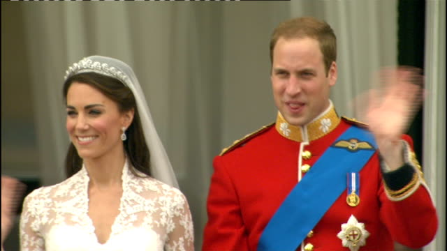 Royal wedding of Prince William and Kate Middleton ITV News Special Ceremonial Feed 1300 1400 **Good shots** Wide shot of newlywed Royal couple on...