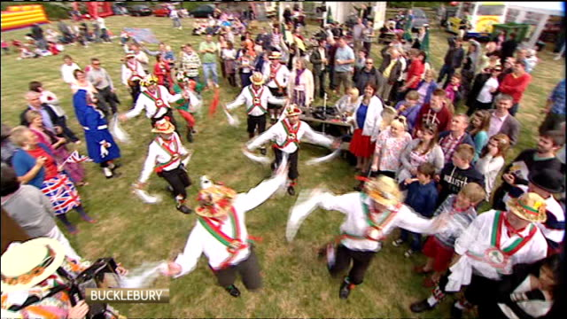 Royal wedding of Prince William and Kate Middleton ITV News Special PAB 1430 1530 Morris dancers performing morris dance SOT Gary interview SOT...
