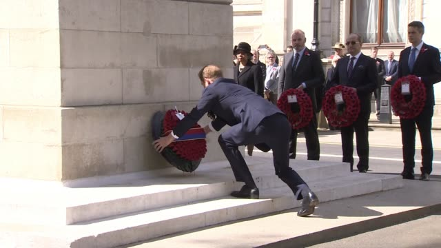 royals attend anzac day service at westminster abbey england london whitehall day prince harry with jerry mateparae along laying wreath at cenotaph... - kranz stock-videos und b-roll-filmmaterial