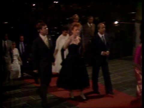 vídeos de stock, filmes e b-roll de duke of york visit day 6 mauritius theatre tms sarah andrew walk to theatre for royal performance pan lr up steps - ilhas mascarene