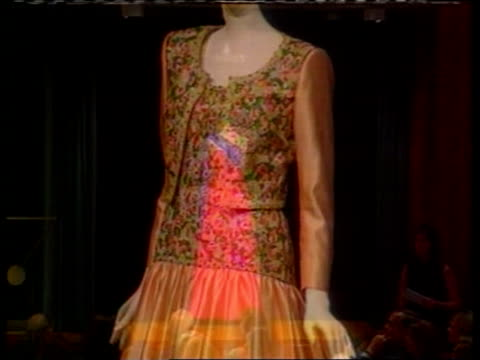 princess of wales: sale of dresses; itn usa: new york: christie's blue beaded strapless dress on display orange dress with beaded top on display red... - せり売り点の映像素材/bロール