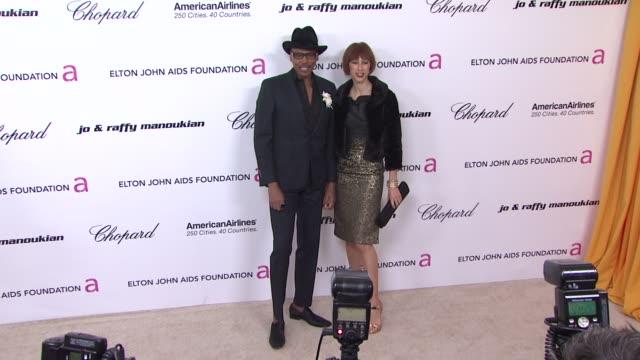 vídeos de stock e filmes b-roll de ru paul at the 19th annual elton john aids foundation academy awards viewing party part 2 at west hollywood ca - festa do óscar