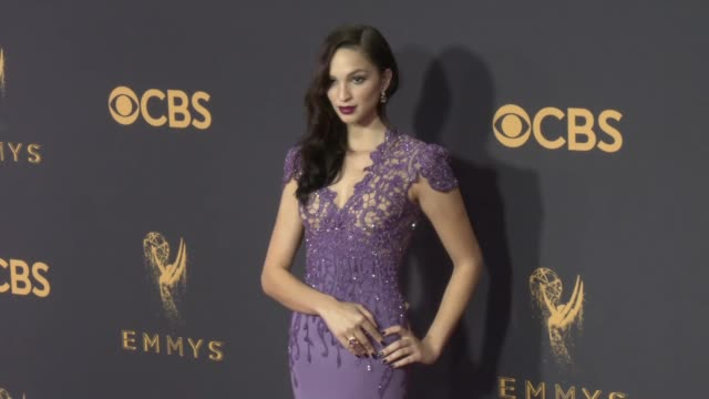 vídeos de stock, filmes e b-roll de ruby modine at the 69th annual primetime emmy awards at microsoft theater on september 17 2017 in los angeles california - microsoft theater los angeles