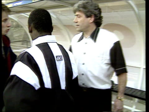 ruel fox signs for newcastle united england newcastle st james' park ext ruel fox wearing newcastle strip next to kevin keegan - st. james' park newcastle upon tyne stock videos & royalty-free footage