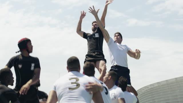 Rugby ist ein Spiel des Engagements und der Teamarbeit