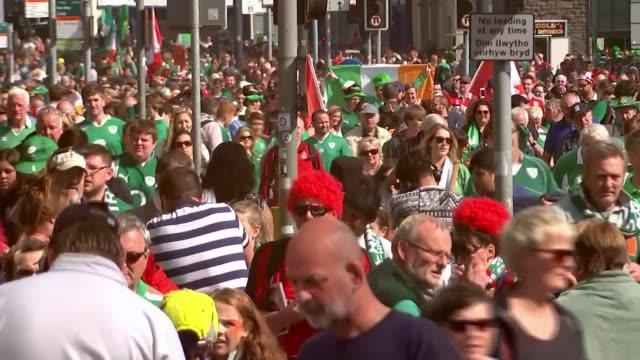 fraudulant ticket websites 1992015 / T19091513 WALES Cardiff Crowds of Irish fans along
