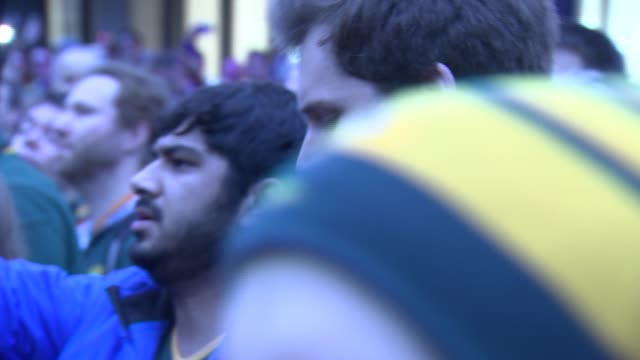 rugby world cup 2015 springboks and supporters jog in memory of 1995 world cup final francois pienaar interview sot / players posing for photocall /... - final round stock videos & royalty-free footage