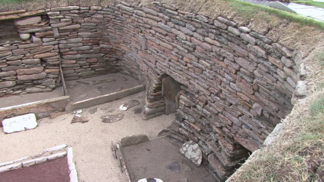 PAN Ruins of a dwelling in neolithic settlement of Skara Brea / Orkney, Scotland, United Kingdom