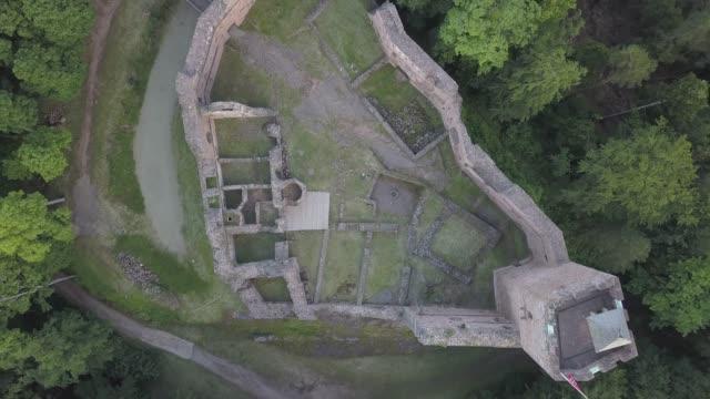 vidéos et rushes de ruins of medieval castle wangenbourg aerial drone view, alsace, france - vestige antique