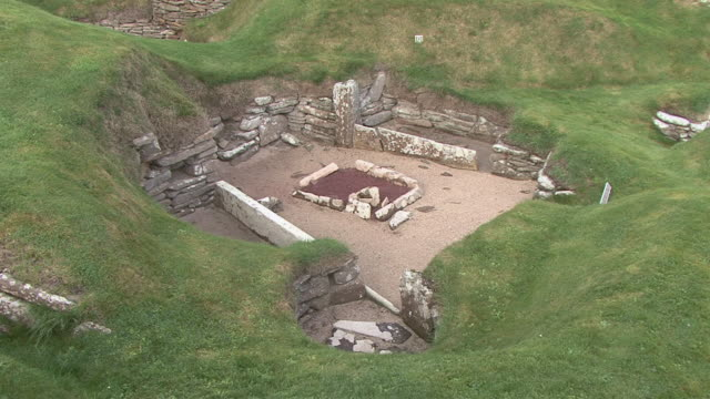 ha ruins of neolithic settlement skara brea / orkney, scotland, united kingdom - prehistoric era stock videos & royalty-free footage