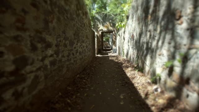 Ruinen der Strafkolonie des Cayenne in der Mitte Rainorest. Französisch-Guyana