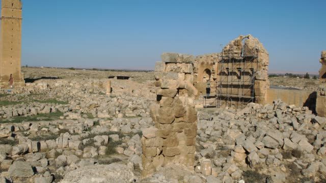 ruins of the university at harran - a major mystery school of the ancient world, southeast turkey - ruine stock-videos und b-roll-filmmaterial