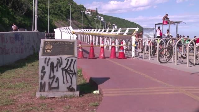 stockvideo's en b-roll-footage met rumbo a los juegos olimpicos rio vive una incertidumbre sobre su sistema de movilizacion - transporte