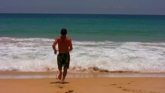 run into the beach - bermuda stock videos & royalty-free footage