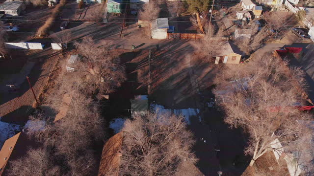 run-down residential district drone point of view in grand junction colorado - run down stock videos & royalty-free footage