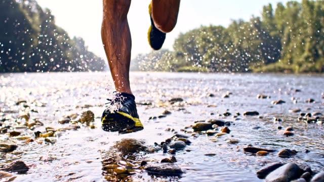 vídeos y material grabado en eventos de stock de de san luis obispo missouri jugar en el river runner - human foot