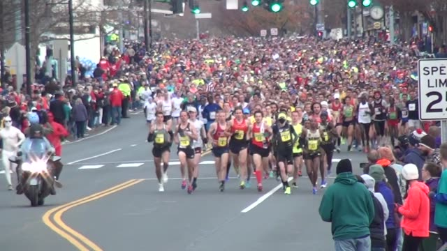 15000 runners head to camera in running road race shot head for 60 secondss - salmini stock videos & royalty-free footage