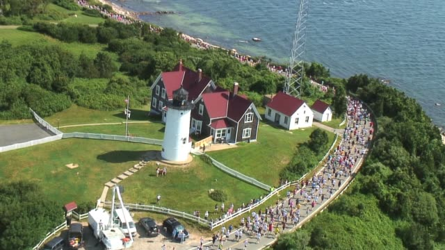 vídeos de stock e filmes b-roll de runners on cape cod shot from helicopter. beautiful footage. runners on cape cod from helicopter on july 20, 2010 - salmini